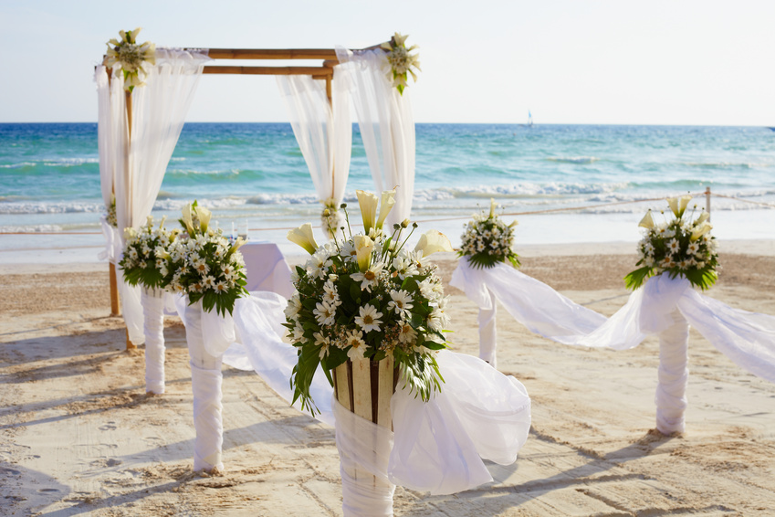 Beach Weddings Are Growing In Pority As More S Decide To Reconnect With Nature And Their Families While Expressing Own Unique Style