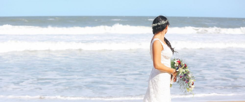Jaclyn Looking Great on the Beach at her wedding