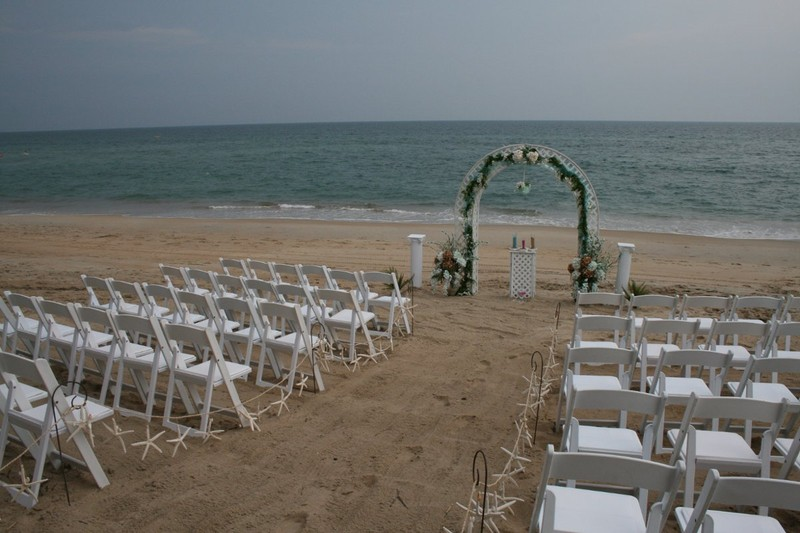 What to expect from a beach wedding